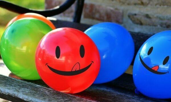 globos sonriendo